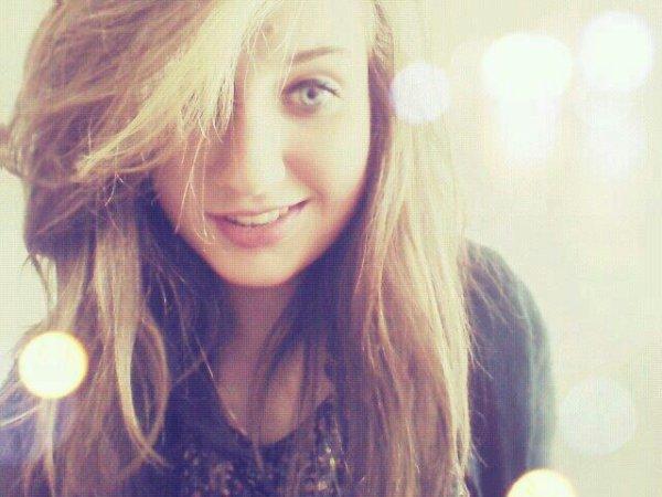 Derrière un sourir se cache parfois des larmes..