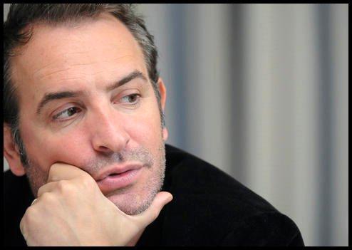 A 3 jours des César et 5 des Oscars, Jean Dujardin, malade, est dans son lit !
