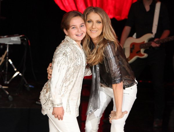 "...""CELINE DION"" VA CHANTER SON TUBE ""LOVED ME BACK TO LIFE"" .....ET VA RENCONTRE LE JEUNE ""SAM"" KI REVER DE RENCONTRER SON IDOLE !!!!!!"