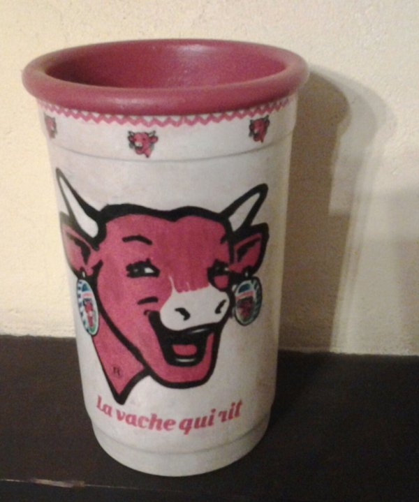 "un pot ""vache qui rit"""