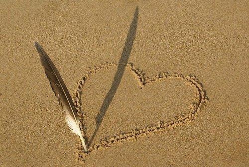Si l'amour est un poeme, laisse moi l'écrire à l'encre de mes sentiments pour qu'à tout jamais tu te souvienne de mon amour pour toi !