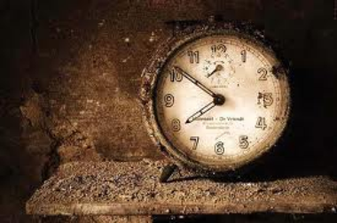 On construit son présent lorsque que l'on ne pense plus au passé ce qui est parfois très difficile quand le passé nous combler d'une certaine manière...