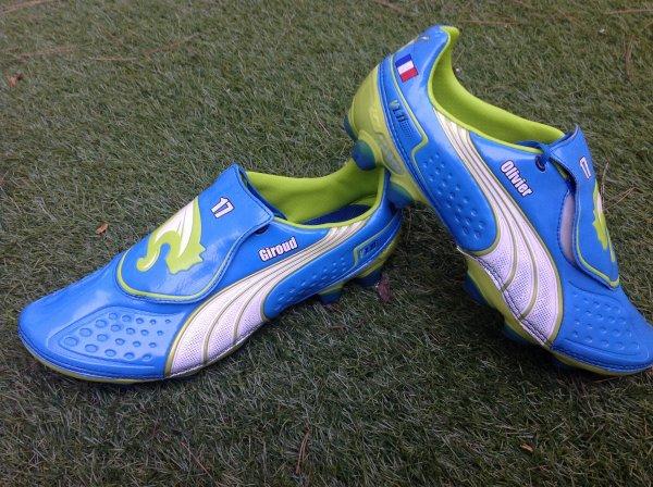A VENDRE paire de chaussures à crampons de Olivier GIROUD MONTPELLIER HSC