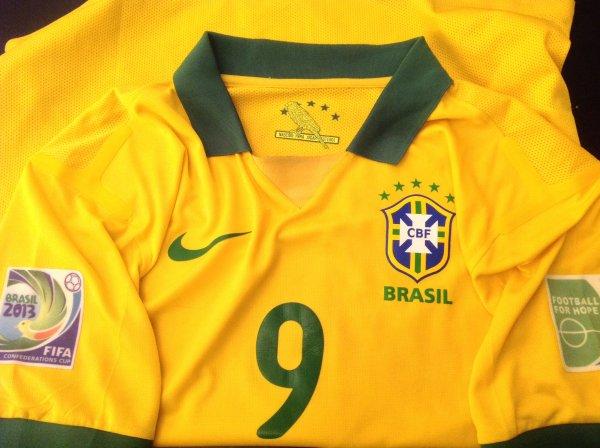 A VENDRE Maillot de foot du BRÉSIL (porté N°9 FRED)