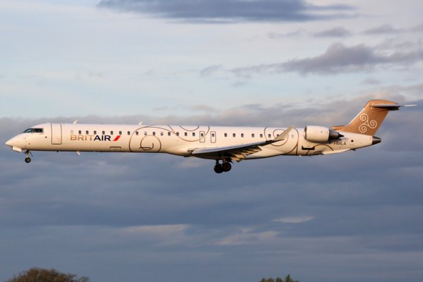 Bombardier Cl-6002E25 Regional Jet CRJ 1000 NG (Next Gen) - Air France By Brit Air
