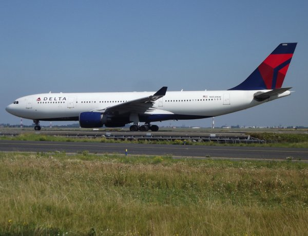 Airbus A330-233 Delta Airlines