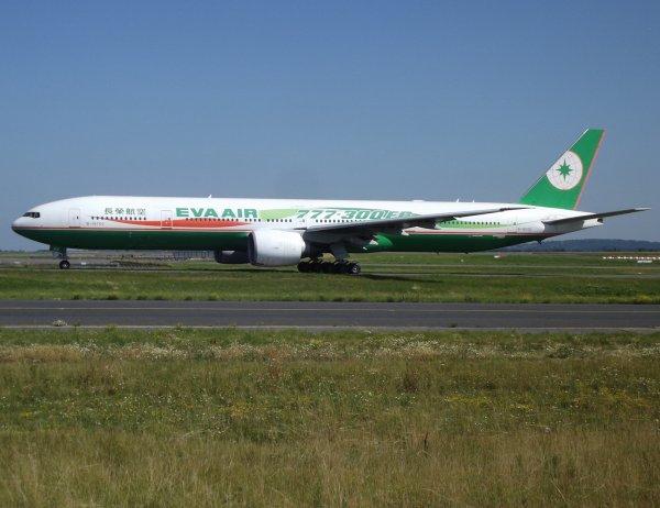 Boeing 777-35E(ER) Eva Air