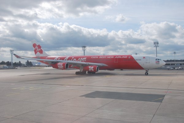 Journée Spéciale Airbus A340 (demande de voiture-vu-monde): Airbus A340-313 Air Asia (QZ)