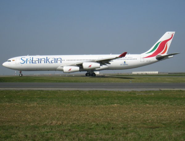 Airbus A340-313X SriLankan Airlines