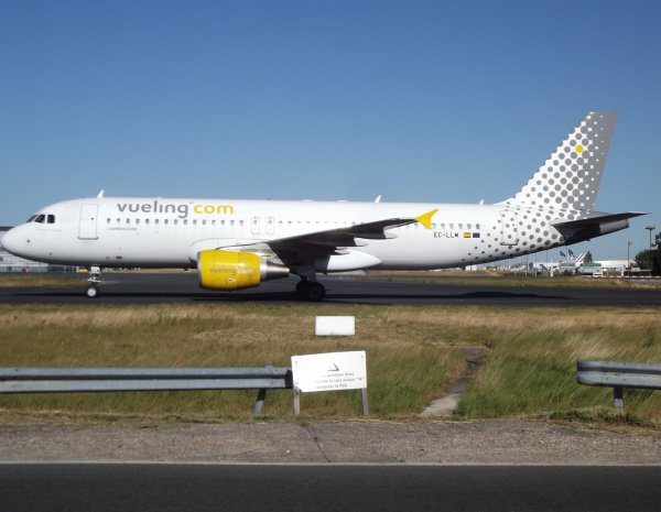 Airbus A320-214 Vueling (VY)