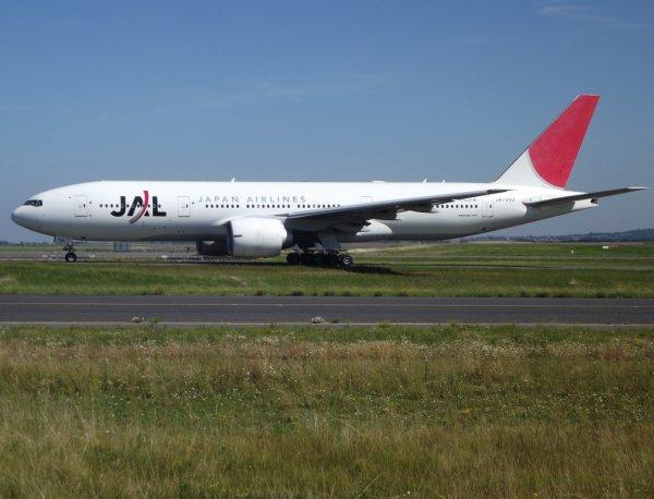 Boeing 777-246(ER) Japan Airlines - JAL