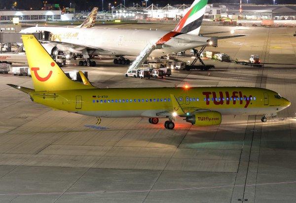 Boeing 737-800 TUIfly + Boeing 777-300/ER Emirates