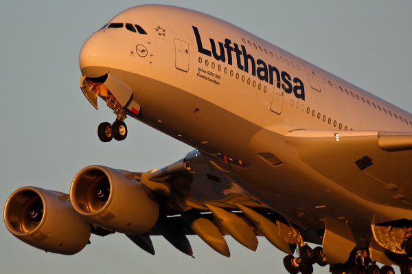 Spéciale 1000 com's !! : Airbus A380-841 Lufthansa (LH-DLH) D-AIMA