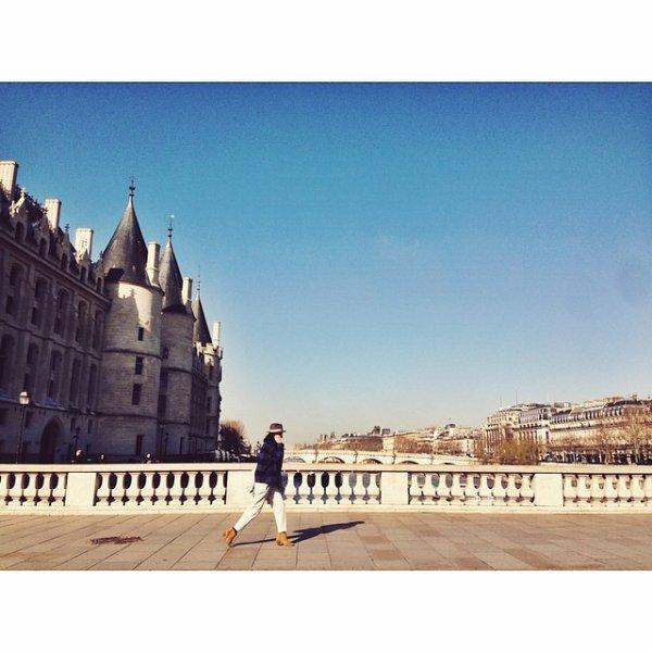 Paris et sa MA - GNI - FI - QUE parisienne