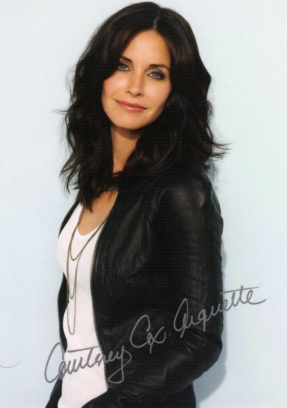 . __________♥  COURTENEY COX __________  .