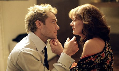 T'es la femme que j'voudrais avoir et celle que j'voudrais être... T'en as connu beaucoup des hommes qui t'ont dit ça ?