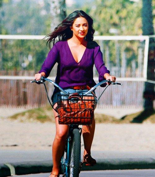 La vie, c'est comme une bicyclette, il faut avancer pour ne pas perdre l' équilibre.