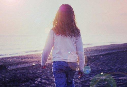 Il est barré dans ses souvenirs qui, je le sens, vont percuter les miens.
