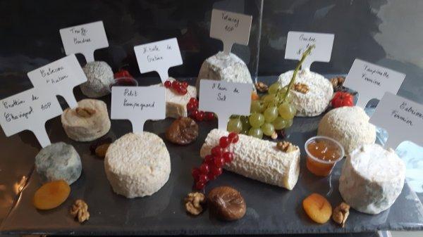 A GAGNER PLATEAU DE 10 FROMAGEs AFFINÉs