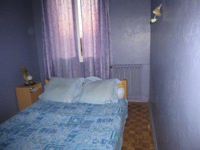 notre chambre une foi fini avec enduite sur mur 70kg sole vernie et peinture mur