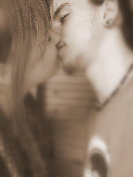 « La vérité c'est que parfois tu me manques tellement que j'ai l'impression de crever de l'intérieur tant ça fait mal... »