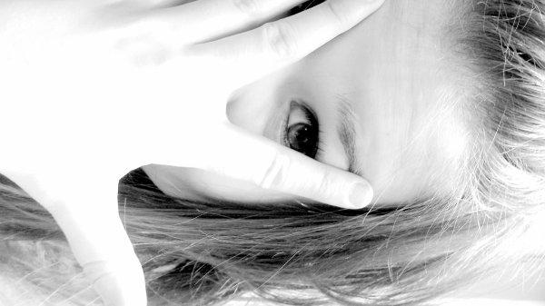 # Je m'aggripe a tout ceux que je peut a défault de m'aggriper a tes doigts