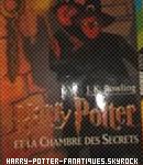 . Les sept tomes de la saga Harry Potter. .