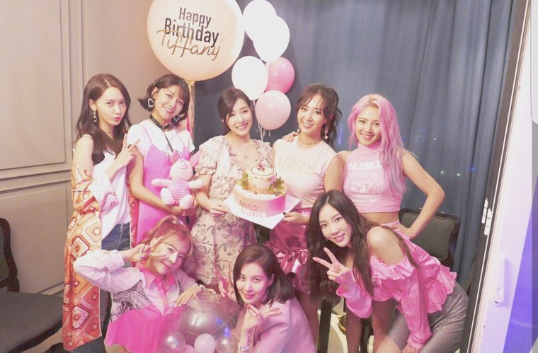 SNSD ( Girl's Generation)
