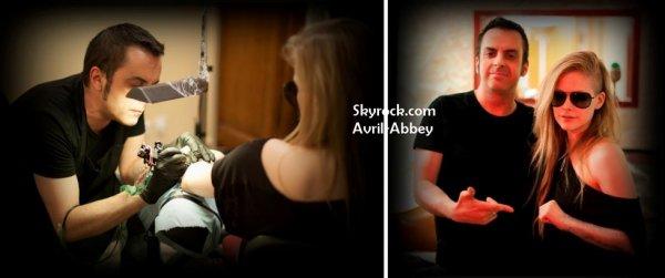 "Avril "" La vie en rose "" + Tatouage"