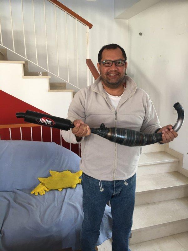 Julio et son nouveau jouet