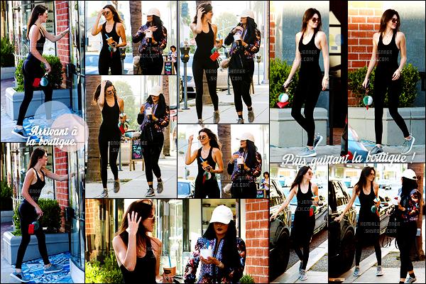 - 20/06/15 : Les jeunes soeurs Jenners sont allées acheter du yaourt glacé chez Go Greek Yogurt, Beverly Hills.   Petite pause gourmandise pour Kendall et Kylie. On y retrouve une Kendall très naturelle à l'opposé de sa soeur toujours aussi coquette. Top ? -