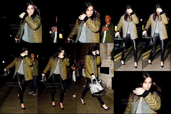- 30/06/15 : C'est tard en soirée que Kendi' Jenner quittait le Chiltern Firehouse situé dans la capitale anglaise.   La mannequin est donc toujours dans la ville de Londres ! Je n'ai pas d'informations pour le moment concernant sa date de retour. Votre avis ?! -