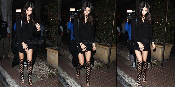 - 08/07/15 - Kendall J. s'est rendue au le restaurant italien « Madeo », qui est situé à West Hollywood, Californie.    'Kendall abordait une tenue all black, je dois dire que c'est magnifique, je suis fan de ses sandalles montantes. Donnes ton avis par - commentaires -