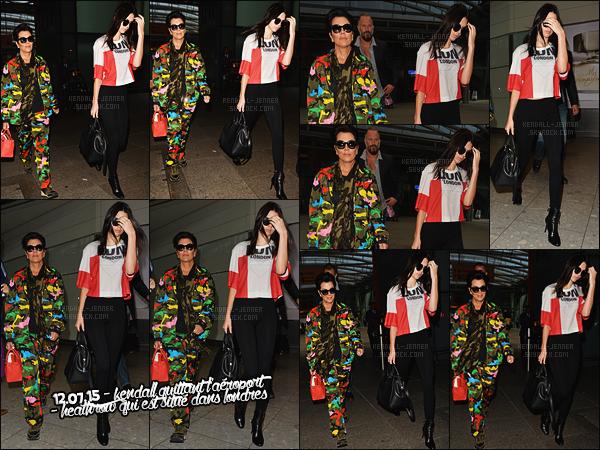 - 11/07/15 - Kendall Jenner a été photographiée arrivant à l'aéroport international « LAX », situé à Los Angeles, CA.    'Plus tard, Kendall a été vue arriavant à l'aéroport de Londres - Heatrow ! J'aime bien la tenue. Qu'en pensez-vous ?! Dites-moi par - commentaires ! -