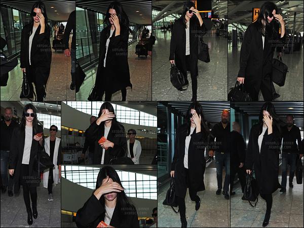 - 14/07/15 - Kendall Jenner a été aperçue, alors qu'elle arrivait à l'aéroport « Heathrow », situé dans Londres, U-K.    'Départ de Londres pour retrouver sa maison après un court séjour dans la ville de Londres pour un nouveau projet prochainement. Top ou bien flop? -