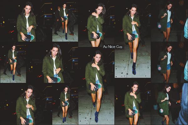 - -• 26/08/16-' : En soirée Kendall Jenner quittait le fameux restaurant Craig's avec sa s½ur Kim Kardashian à Los Angeles !    Par la suite, Kendall Jenner a été photographiée alors qu'elle arrivait au bar et boite de nuit The Nice Guy, cette fois-ci seule. C'est un top ou un flop ? -