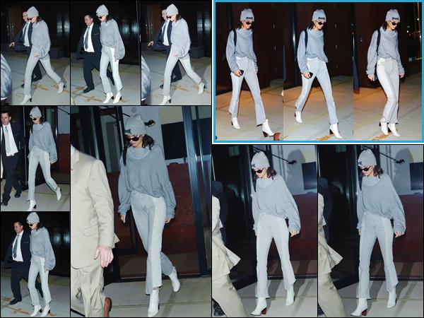 - ''03.05.17'-''─''Kendall Jenner quittait en soirée son appartement se situant dans un quartier de New York City ![/s#00000ize]De plus, au cours de la journée miss Kendall a été photographiée avec trois tenues différentes, se dirigeant sur les lieux d'un énième photoshoot ... -