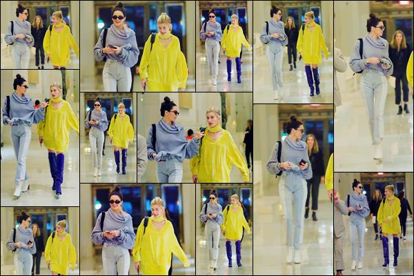 - ''03.05.17'-''─''Kendall Jenner arrivait au restaurant japonais « Nobu » avec son amie Hailey Baldwin à New York ![/s#00000ize]Après, les deux mannequins ont été photographiées alors qu'elles quittaient le restaurant de sushis pour rejoindre une voiture. Avis sur leurs tenues ? -