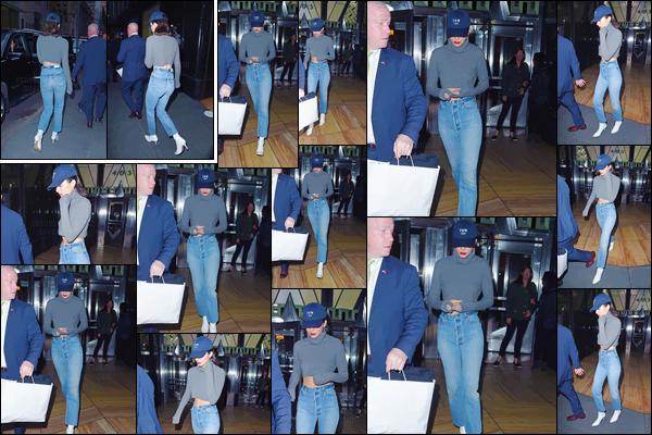 - ''04.05.17'-''─''En soirée, Kendall Jenner quittait un centre commercial où avait lieu son nouveau photoshoot.[/s#00000ize]Notre mannequin ne cesse de faire parler d'elle : entre son couple avec le rappeur ASAP Rocky puis la polémique de la couverture pour Vogue India ... -