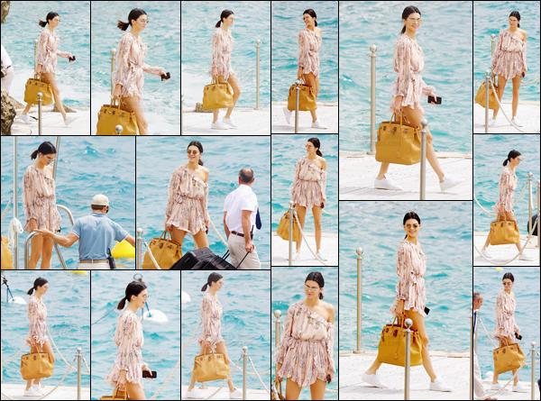 - ''22.05.17'-''─''Kendall Jenner, en matinée, quittait son hôtel « Cap-Eden-Roc » situé à Antibes en France ![/s#00000ize]Tenue totalement appropriée à l'été et sac en main, c'est dans un bateau que la belle a quitté l'hôtel avec ses nombreuses valises. Un top ou flop ? -