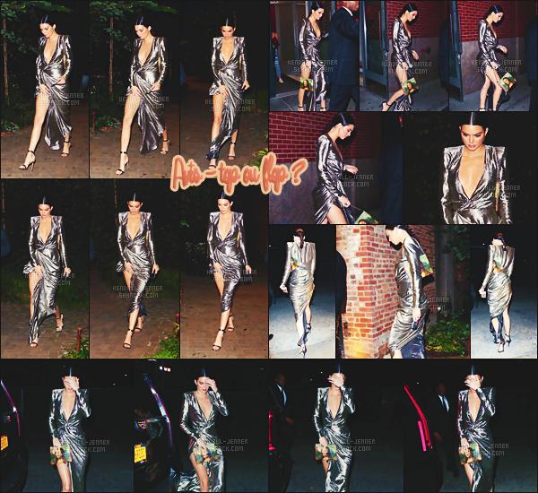.  23/10/17 - En robe glitter, Kendall J. se rendait à la fameuse soirée « de Kanye West » à NYC, top ou flop ? A défaut d'être présente à la soirée organisé par Karl Lagerfeld entourée des Hadid, Kendall mise sur le côté famille Kardash'/Jenner.  .