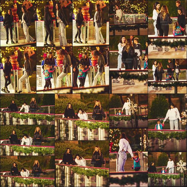 .  08/12/17 - Kendall Jenner a été vue  le soir dans les rues de Los Angeles , en famille ! - top ou flop ?Kendall avait un look pas trop top mais assez casual, entouré de Kourt' & P. la belle a  un petit look tout bof pour cette sortie - un gros bof.  .