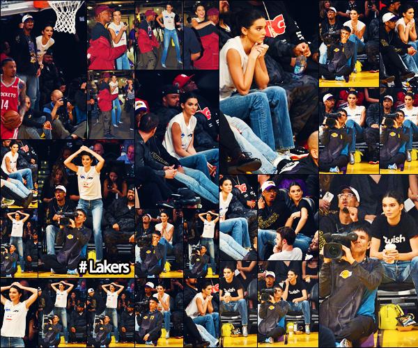 .  20/10/18 - Kendall a été photographiée, alors qu'elle était au match « Lakers vs. Rockets » à LA !  | Top ou Flop ? + Nous avons beaucoup de photographies pour cette sortie que nous offre. Kendall était à fond dans le match !   •• Je donne un petit top aujourd'hui.   .