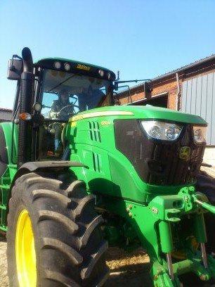 le nouveau tracteur de la ferme