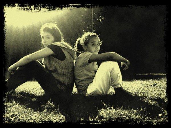 Lisa&Carla ; DuBerceauChkaLaTombe <3