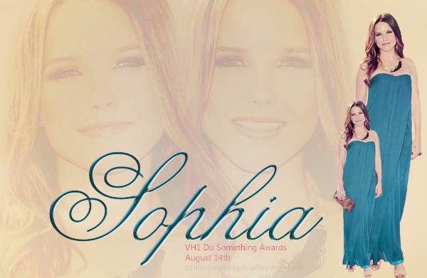 < @SophiaBush > 14 août 2011 - VH1 Do Something Awards
