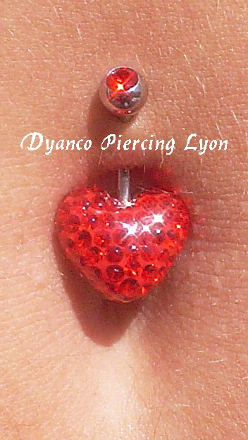 Piercing nombril coeur crystal rouge