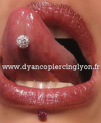 Piercing langue boule d'époxy pavé de cristaux