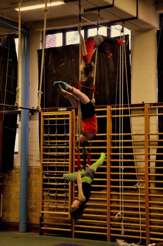 ces photo juste pour vous partager ma passion : le trapèze !