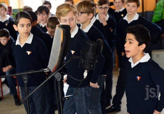 Une manécanterie d'élèves et concertistes
